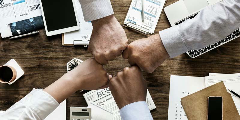 Read more about the article Marketing é marketing e vendas é vendas, mas você deve usar a força dos dois.